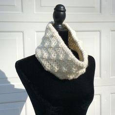 "Handmade bulky off white cowl Circumference: ~25"". Height: ~6"". 100% acrylic, bulky yarn. Handmade Accessories"
