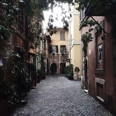 #Roman #Alleys // #Rome    _____________