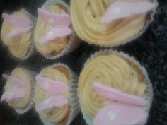Cupcakes de plátano y miel  http://aminomegustacocinar.wordpress.com/2012/10/10/cupcakes-de-platano-y-miel/