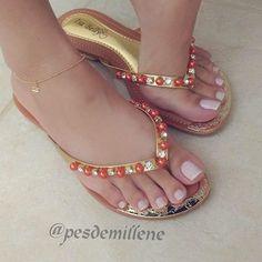@pesdemillene  #podolatria #pesfemininos #pezinhos #feetish #foot #feet #toes #nails #soles #pé #dedos #unhas #solas #solinhas #fetiche #podolatra #podo #footfetishnation #footfetish #footworship #footmodel #instafeet #nailspolish #perfectfeet #brazilianf