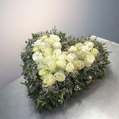 Benodigdematerialen:zelf dit bloemstukje maken   Hart van steekschuim in diverse maten. Als het biologisch afbreekbaar moet zijn kunt u de...