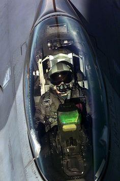 Rifornimento in volo (cockpit). Aircraft Parts, Fighter Aircraft, Jet Fighter Pilot, Fighter Jets, Military Jets, Military Aircraft, F 16 Cockpit, F 16 Falcon, Air Machine