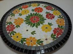 Image associée Mosaic Outdoor Table, Outdoor Table Tops, Mosaic Art Projects, Mosaic Crafts, Mosaic Designs, Mosaic Patterns, Mosaic Stepping Stones, Mosaic Supplies, Mosaic Flowers