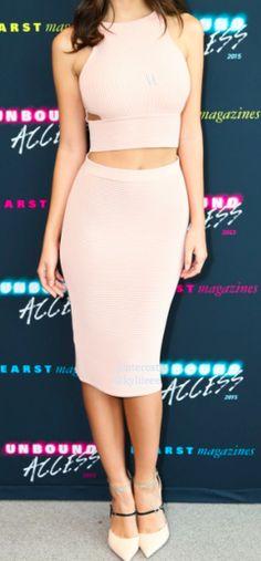 crop top + pencil skirt. Always a deadly combo!