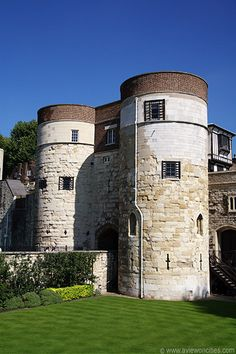 Byward tower | Byward Tower, Tower of London - This is where Anne Boleyn was brought after her arrest.