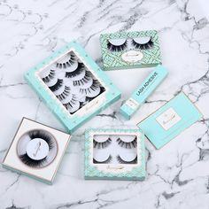 These synthetic lashes are the perfect holiday gift. And make you more amazing! The beauty junkies in your life will thank you for this cute little false eyelash gift collection! #sunnyflybeauty #eye #makeup #hair #eyelashes #wimpern #lashes #falselashes #fakeeyelashes #makeupartist #customlashes #customizedeyelashes #syntheticlashes #privatelabellashes