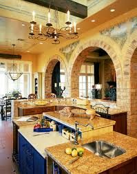 Get inspired by awesome photos about tuscan style homes design & house plans.decor ideas for mediteranean design house (color, furniture, etc) Beautiful Kitchens, Cool Kitchens, Dream Kitchens, Yellow Kitchens, Kitchen Yellow, Luxury Kitchens, Tuscan Kitchen Design, Tuscan Kitchens, Kitchen Designs