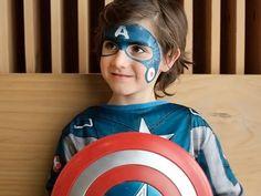 Maquillaje de Carnaval: Capitán América  #maquillaje #pintacaras #carnaval #carnavales #2015 #capitan #america #pelicula #disfraz #careta #antifaz #mascara #charhadas