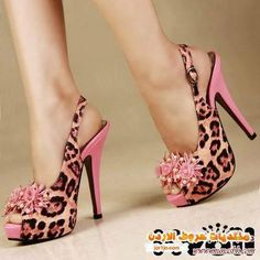 leopard and pink shoes. Pretty Shoes, Beautiful Shoes, Cute Shoes, Me Too Shoes, Awesome Shoes, Fab Shoes, Crazy Shoes, Shoe Boots, Shoes Heels
