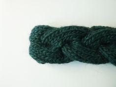 JANIS | Fascia a treccia color verdone interamente lavorata a mano, 15€ handmade by dolcedormireknitwear