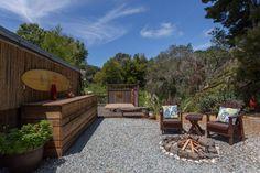 Outdoor Bereich mit Kies und Holz gestalten und eine Feuerstelle selber machen