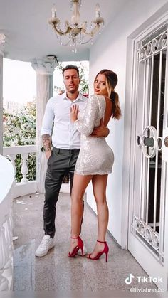 Couples Poses For Pictures, Poses For Photos, Picture Poses, Boudior Poses, Couple Photoshoot Poses, Couple Posing, Beach Photography Poses, Glamour Photography, Posing Tips