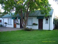 Plaas Cottage - Enjoy peace and tranquillity in a safe farm environment for your overnight stay. Great for a stop off on your way to the coast or while attending to business, sport or functions in Bloemfontein. Situated ... #weekendgetaways #bloemfontein #southafrica