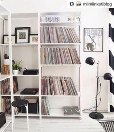 Beautiful! #Repost @miimiinkotiblog ・・・ #lundia #diy #vinylrecords #myhome #home #koti #shelf #rintamamiestalo #inspiroivakoti #instakodit #homedetails #interior #livingroom #sisustus Bookshelves, Bookcase, Lund, Marimekko, Vinyl Records, Shelving, New Homes, Living Room, Storage