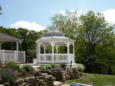 Elevate your gazebo and take advantage of a more improved view.