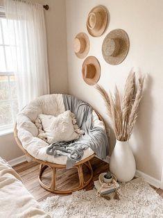 Room Ideas Bedroom, Home Decor Bedroom, Home Living Room, Living Room Decor, Aesthetic Room Decor, Cozy Room, Home Decor Inspiration, Decor Ideas, Pampas Grass