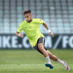 SoccerHacker 画像 - ネイマール(Neymar) Had pretty few days but he's the reason why I'm smiling ❤️ #neymar #neymarjr #myhero #myfav