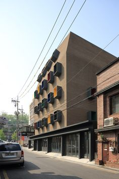 Raphael Center / KYWC Architects