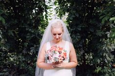 Markéta #czechbride #czechstyle #czechfashion #weddingfashiondesign #weddingdress #weddingflower #svatebnifotograf #svatebnikytice #svatebnisaty #bridal #bride