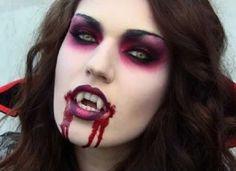 """As vampiras podem aproveitar para aplicar um pouco de """"sangue cenográfico""""."""