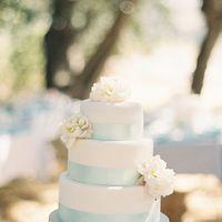 Cakes, Wedding Style, white, Floral Wedding Cakes, Wedding Cakes, West Coast Real Weddings, Shabby Chic Real Weddings, Shabby Chic Weddings, real wedidngs