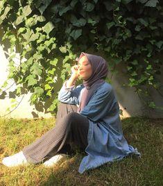 Week End Hijab Fashion Cute - Pemuja Wanita Modern Hijab Fashion, Modest Fashion Hijab, Muslim Fashion, Hijab Fashionista, Hijabi Girl, Girl Hijab, Girl Photo Poses, Girl Photography Poses, Beau Hijab