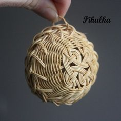 Vánoční baňka, ozdoba. Christmas tree decoration. Rattan weaving. christmas…