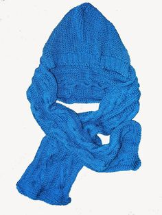 Fular handmade albastru http://poarta-handmade.blogspot.ro/2015/02/fular-calduros-cadou.html