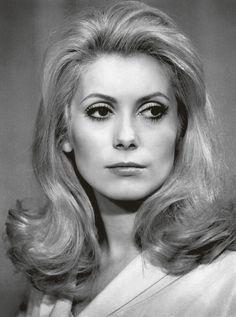 Catherine Deneuve, elegancia a los 70 · Lecturas.com · Como ha cambiado