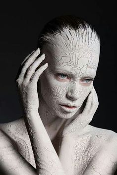 Black and white mud paint, clay paint, makeup photography, body photography, portrait Paint Photography, Body Photography, Makeup Photography, Artistic Photography, Portrait Photography, Pose Portrait, Portrait Ideas, Body Painting, Geometric Tatto