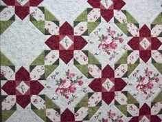 Pretty pattern for large scale prints. Easy to make - a snowball block with an easy 9 patch block.