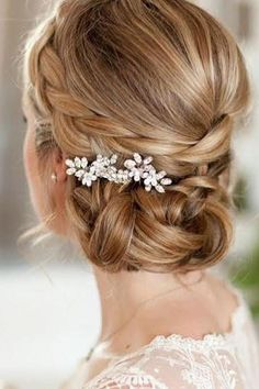 [ Bridal Hairstyles : 30 Wedding Hairstyles Ideas For Brides With Thin Hair ❤ wedding hairstyles for thin braided side updo with accessories Wedding Hairstyles Thin Hair, Veil Hairstyles, Short Hair Updo, Short Hair Styles, Hair Wedding, Wedding Dresses, Wedding Bride, Plait Styles, Anime Hairstyles