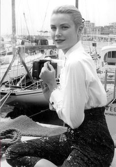 American actress Grace Kelly during the Cannes Film Festival, May (Photo by RDA/Hulton Archive/Getty Images) Hollywood Fashion, Hollywood Glamour, Classic Hollywood, Old Hollywood, Hollywood Celebrities, Moda Grace Kelly, Grace Kelly Style, Grace Kelly Fashion, Brigitte Bardot