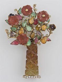 Iradj Moini Broche bouquet semi précieux et cristaux