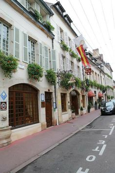 Vente des Vins 2013  Wine Auction 2013 Hotel Le Cep - Beaune