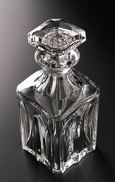 Anyone want to get me this gorgeous Baccarat decanter? Baccarat Crystal, Crystal Glassware, Waterford Crystal, Liquor Bottles, Perfume Bottles, Perfume Store, Cut Glass, Glass Art, Vase Cristal
