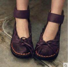 2017 new spring genuine leather women flat heels shoes woman vintage bow soft sole Moccasins women flats - MODE & FRISUREN - Zapatos Pretty Shoes, Beautiful Shoes, Cute Shoes, Me Too Shoes, Boho Shoes, Shoes Sandals, Flat Shoes, Flat Sandals, Hippie Shoes