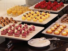 Petite desserts by Fenf3n, via Flickr