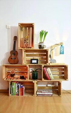 Mueble DIY hecho con cajas de madera. Muebles con cajones de fruta. #mueblesdiy #manualidades