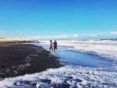 Water or snow?  #newzealand #castlecliffbeach #castlecliff #sea #beach #couplegoals #marriage #love #travel #podroze #cotamwpodrozy