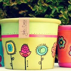 How to Plant Potted Flowers Outdoors in the Soil : Garden Space – Top Soop Painted Clay Pots, Painted Flower Pots, Flower Planters, Pottery Painting, Ceramic Painting, Clay Pot Crafts, Diy And Crafts, Cactus Clipart, Recycled Glass Bottles