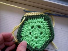 free turtle shell crochet pattern https://www.etsy.com/listing/200517924/newborn-boy-or-girl-turtle-crochet-photo