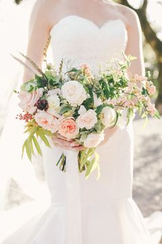 Soft pink bridal bouquet | Wedding & Party Ideas | 100 Layer Cake