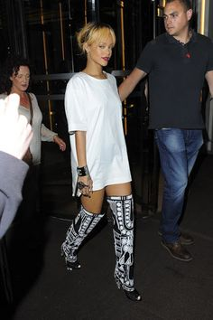5df4d8c8ecad Celeb Diary  Rihanna   The Cuckoo Club in Londra Boots London
