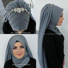 Hijab hijab k new style Street Hijab Fashion, Arab Fashion, Islamic Fashion, Muslim Fashion, Stylish Hijab, Hijab Chic, Hijab Elegante, Bridal Hijab Styles, Hijab Stile