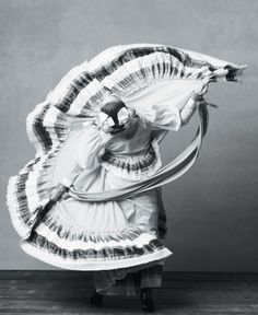 Mexican folk dance.