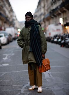 The Best Street Style Inspiration & More Details That Make the Difference The Sartorialist, Men Street, Street Style Women, Street Wear, Street Styles, Dope Fashion, Urban Fashion, Mens Fashion, Street Fashion