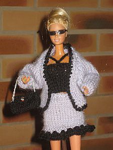 Barbie And Ken, Barbie Dolls, Bustiers, Crochet Barbie Clothes, Schneider, Pullover, Knitting, Sweaters, Dresses