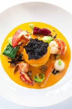 Mousseline de Brochet, Homard et Petits Légumes, Jus de Carapaces à l'Absinthe