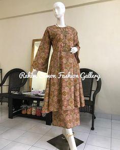 Hijab Fashion, Fashion Art, Fashion Outfits, Fashion Design, Kebaya Simple, Batik Dress, Fashion Gallery, Maternity Dresses, Indian Fashion